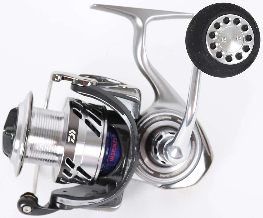 Daiwa SABAYJ3500H Saltiga Bay Jigging SW Spinning Reel | TackleDirect