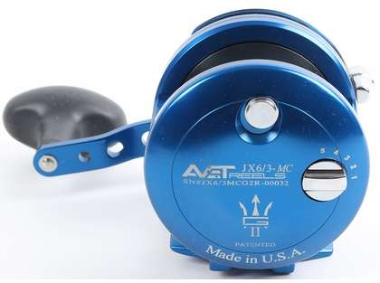 Avet JX G2 6/3 MC 2-Speed Reel - Blue/Gun Metal Spool (Blemished)