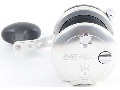 Avet JX G2 6/3 MC 2-Speed Reel - Silver/Gun Metal Spool (Blemished)