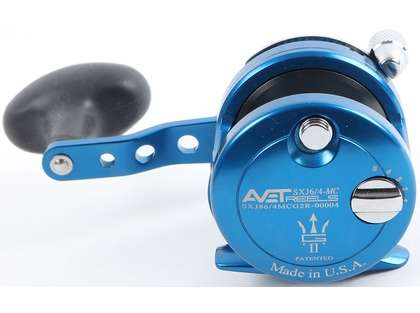Avet SX G2 6/4 MC 2-Speed Reel - Blue/Gun Metal Spool (Blemished)
