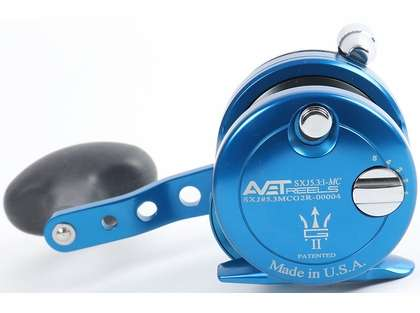 Avet SXJ G2 5.3 MC Single Speed Reel - Blue/Gun Metal Spool  (Blem.)
