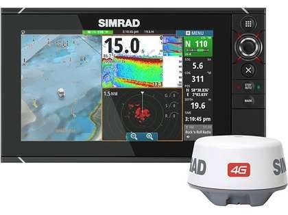 Simrad NSS12 evo2 Combo Display w/ Insight USA & 4G Radar